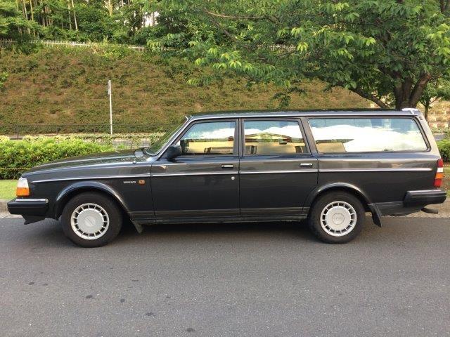 ボルボ 240ワゴンガンメタ'89 画像04