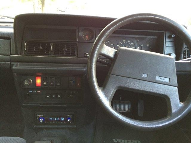 ボルボ 240ワゴンガンメタ'89 画像09