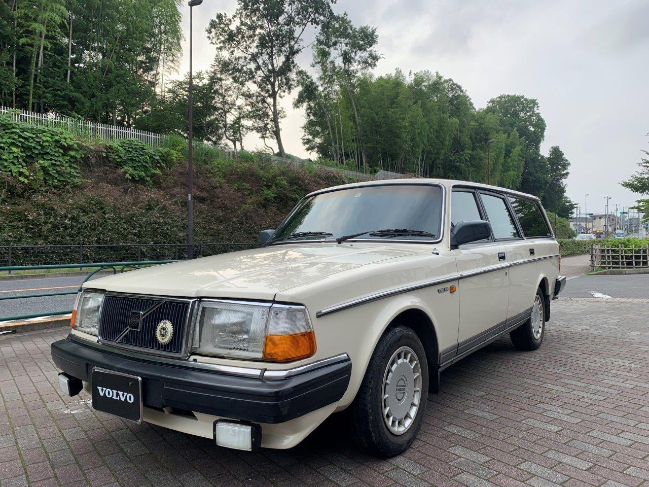 ボルボ240GLエステート1989年式