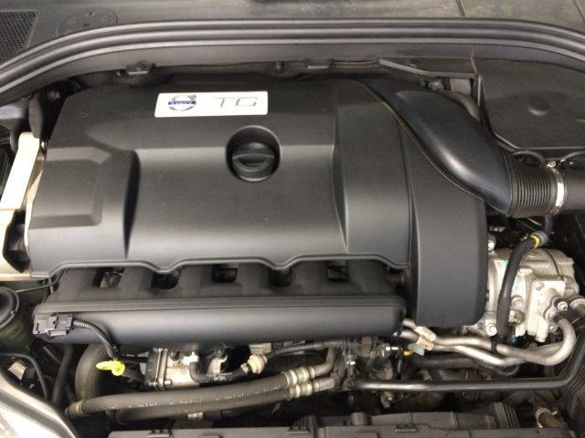 ボルボXC60T6AWDブラックサファイアM画像17