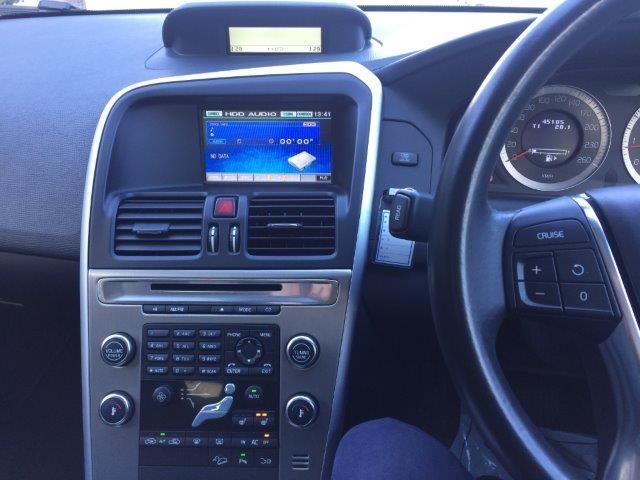 ボルボXC60T6AWDブラックサファイアM画像14