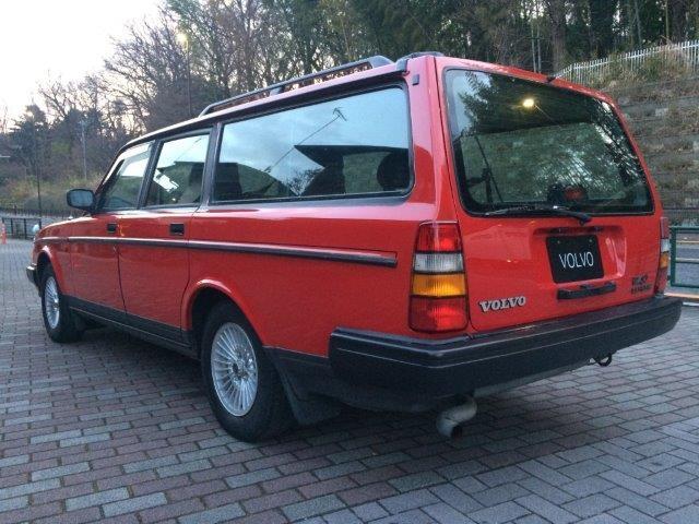 ボルボ240エステートクラシック'93赤 画像2